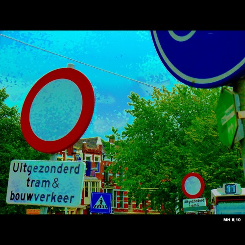 Cartoon: MH - Traffic Signs IV (medium) by MoArt Rotterdam tagged rotterdam,rotterdamcentralstation,traffic,trafficsign,rotterdamcs,verkeersbord,verkeersbordenchaos,tram,werkzaamheden